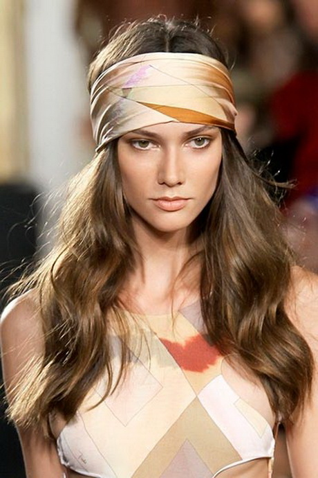 70s hairstyles with scarves