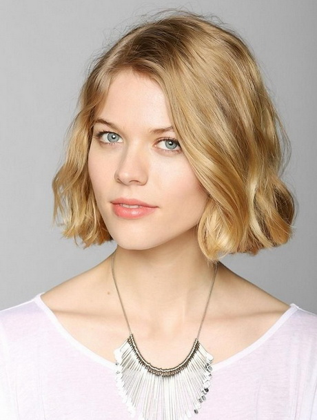 Hair additionally Long Shaggy Hairstyles For Round Faces also Medium ...