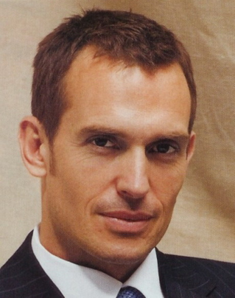 Hairstyles for Men with a High Forehead or Receding ...