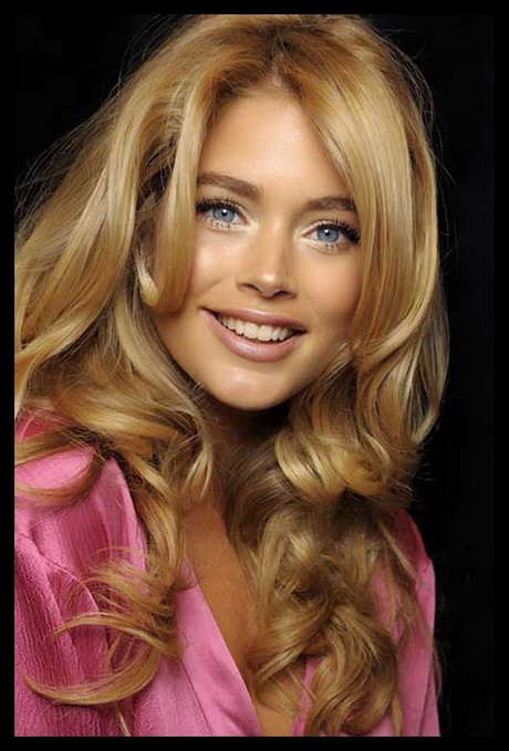 doutzen kroes butter blonde hairstyle