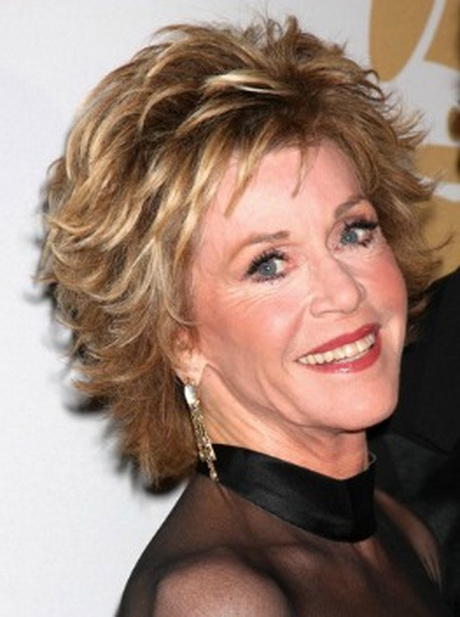 jane fonda – best short haircuts for women over 40