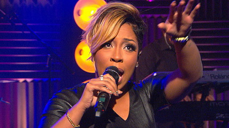 K Michelle Short Hairstyles Michelle Debuts New Shorter Haircut Complete With Two-Toned Blonde ...