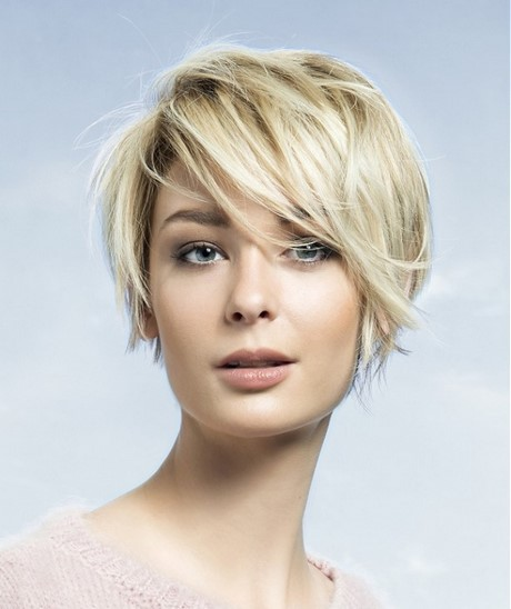The 65 Best Short Hairstyles and Haircuts to Try Right Now. The new cool girl pixie cut is shorn on the sides with thick bangs at the 20+ Cute Short Hairstyles for Women from efwaidi.ga;.