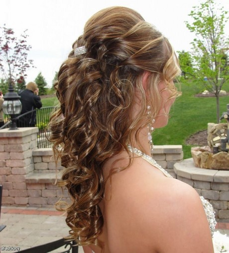 Prom Hairstyles Down 2017 : Best ideas prom hairstyles for long hair down curly