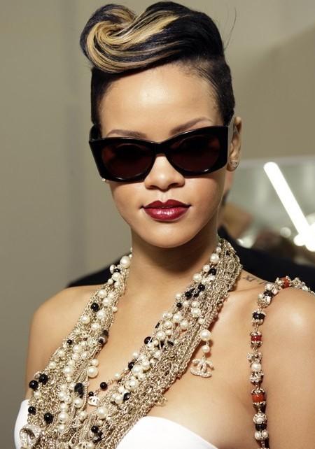 Rihanna short hair styles 2017