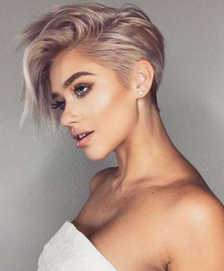 Best 12 Pixie Short Haircut for European Women 2018-2019