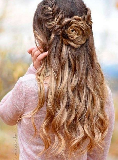 Prom hairstyles down 2021