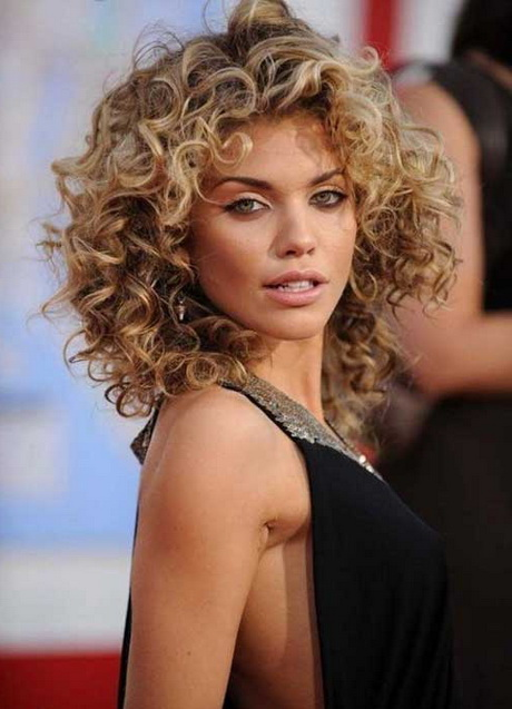 hairstyle women curly-#19