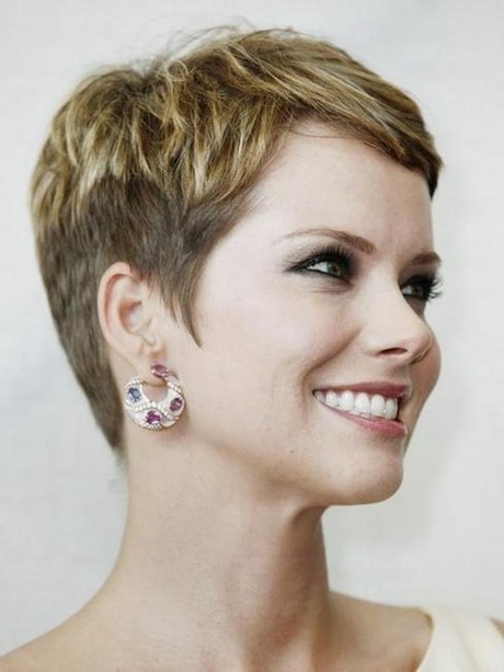 Model Short Haircuts For Women A Typical Short Haircut For Round Faces Was