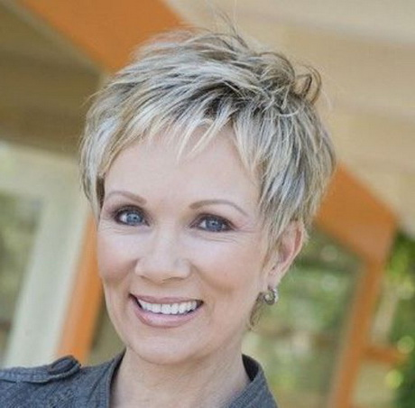Pixie Short Hairstyles For Wavy Hair 2016