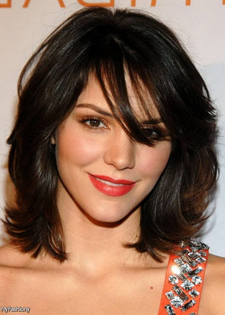 Hairstyle for the treatment of Women: Medium Length Hairstyles For