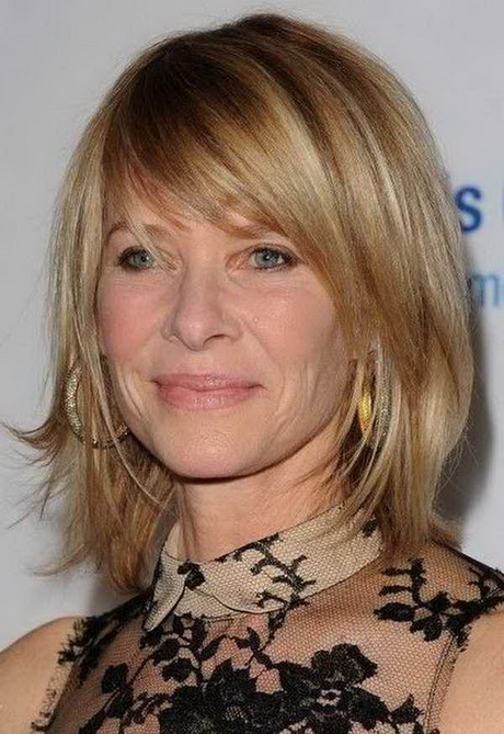 Latest Haircut : Latest Hairstyles for Women Over 40