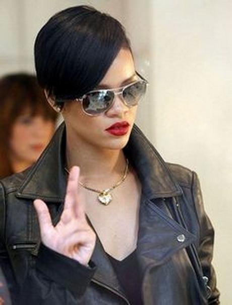 Rihanna short hair styles 2016