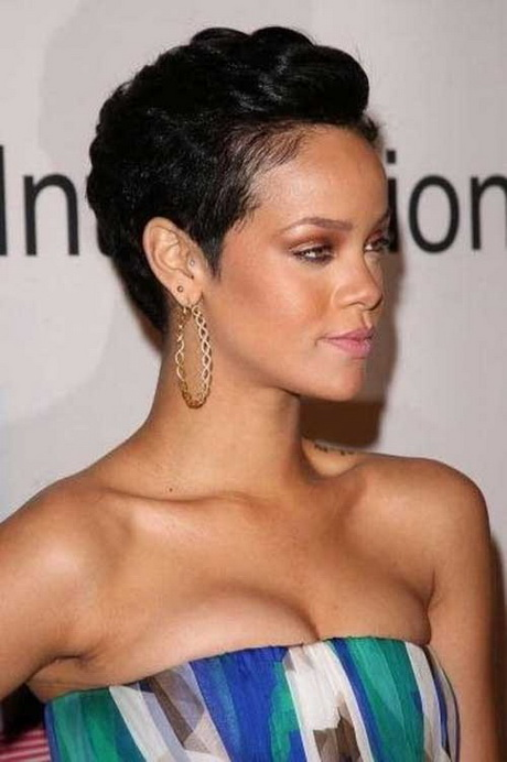 Rihanna short hairstyles 2016