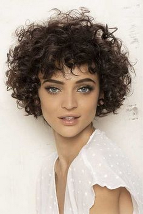 hairstyle women curly - photo #13