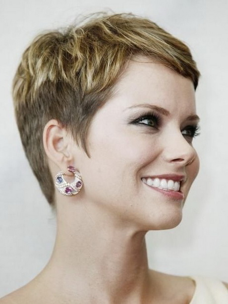 Brilliant Short Haircut Style For Adult Women 600x478px