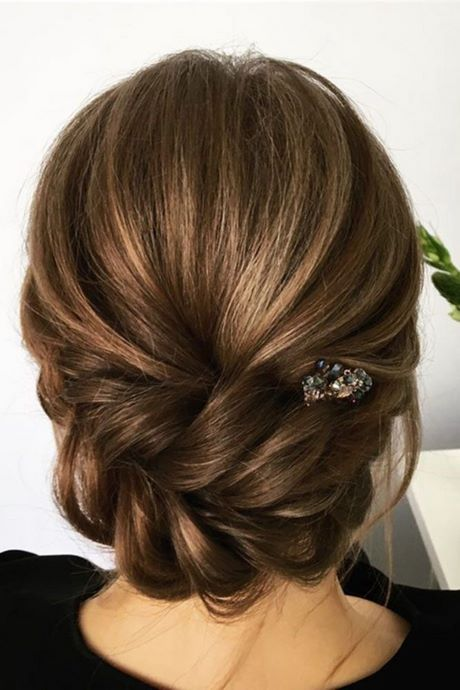 Simple Bridal Hairstyles For Medium Length Hair