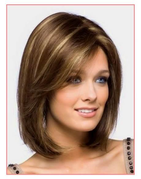Women's Medium Length Haircut Tutorial with Face Frame