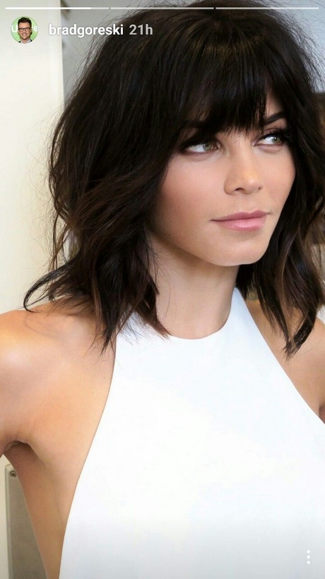 hairstyles no bangs medium length