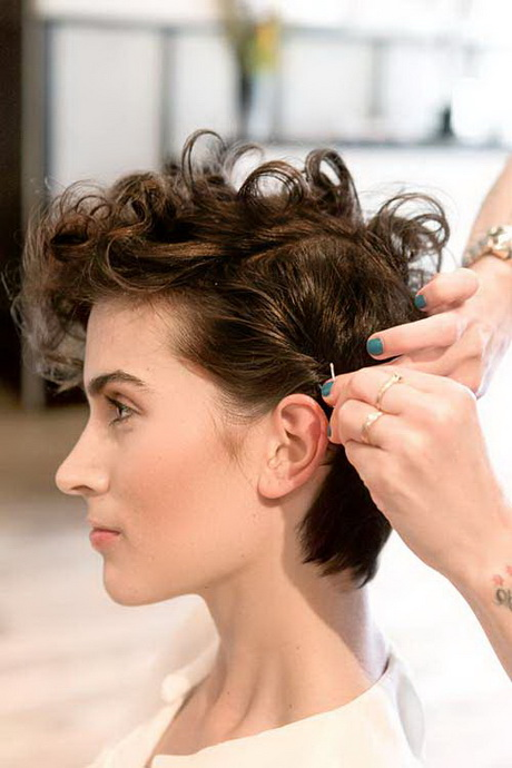 Growing Out A Pixie Cut Curly Hair