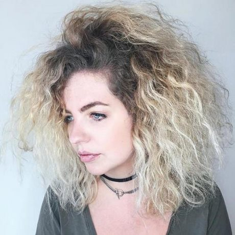 Haircut Styles For Curly Frizzy Hair