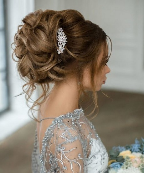 Top 20 Long Wedding Hairstyles And Updos For 2018: Wedding Hairstyles For 2018