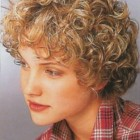 Ideas for short curly hairstyles