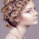 Short curly hairstyles for weddings