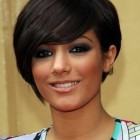 Short hairstyles for round faces women