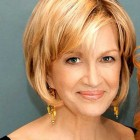 Short hairstyles for the older woman