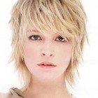 Short thin hairstyles for women