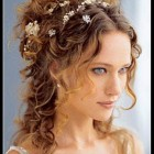 Wedding hair for curly hair