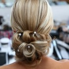 Wedding up hair