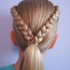 Hairstyles for v shaped hair