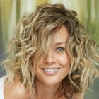 Curly medium length hairstyles 2021