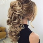 Hair upstyles for long hair