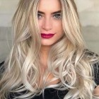 Long blonde hairstyles 2019