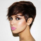 Stylish short hair for ladies