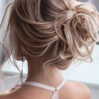 2020 hair updo trends