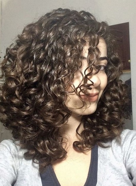 Best curly hairstyles 2020
