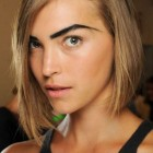 Best haircut for small round face