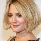 Short hairstyles for big faces