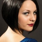 Short hairstyles for straight hair and round faces
