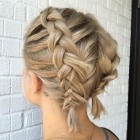Nice hairdos for short hair