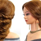 Hairstyles for long hair in wedding