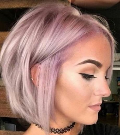 Flattering hairstyles for thin hair