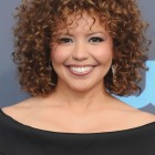 Hairstyles for super curly hair