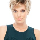 Short cut hairstyles for thin hair