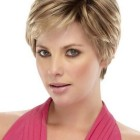 Short hairstyles for thinning hair on top
