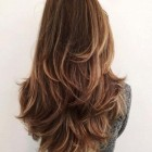 Haircut in layers for long hair length